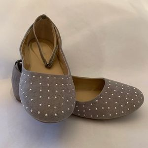 American Eagle Gray studded flats ankle strap